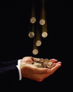 деньги в руки